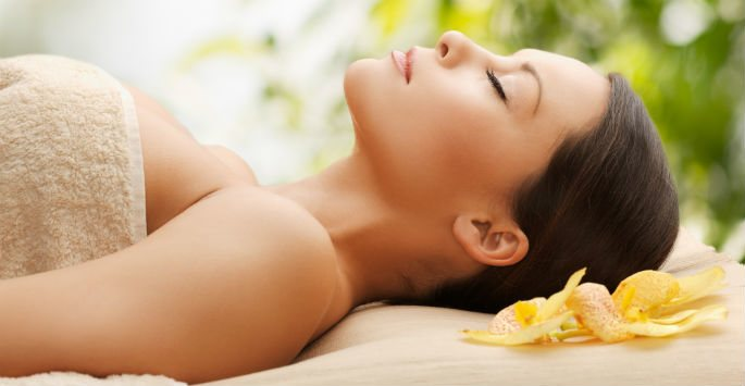 Getting a Body Massage in Scarborough, Ontario